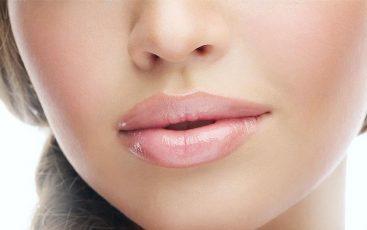Tips Memilih Lip Gloss Yang Bagus Dan Tepat