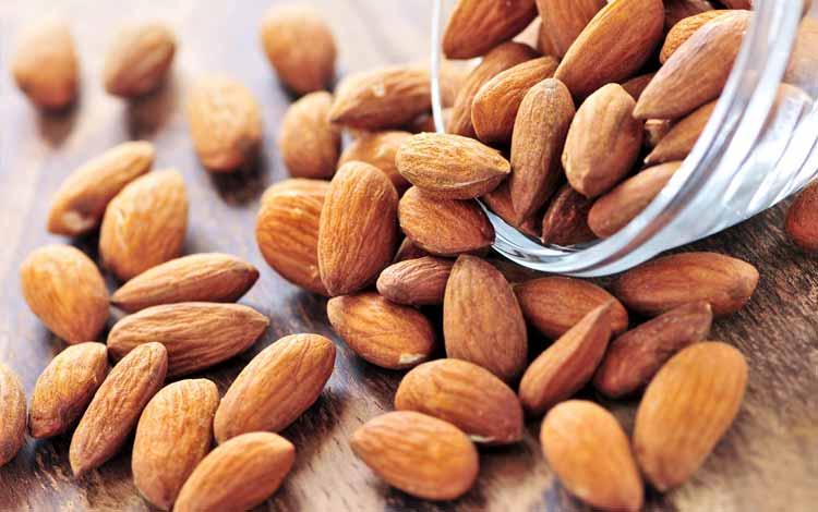 Kacang almond untuk diet