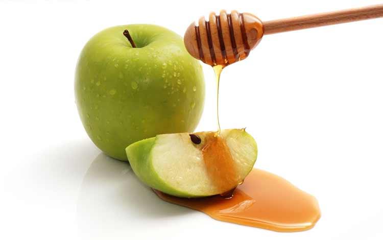 masker wajah alami dengan apel dan madu