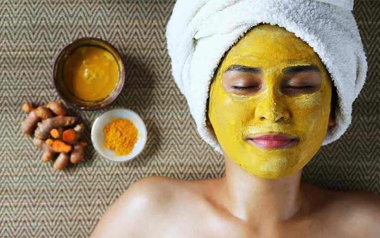 masker wajah alami dengan kunyit