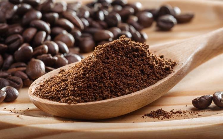 Cara alami dan aman menghilangkan Stretch Mark menggunakan bubuk kopi