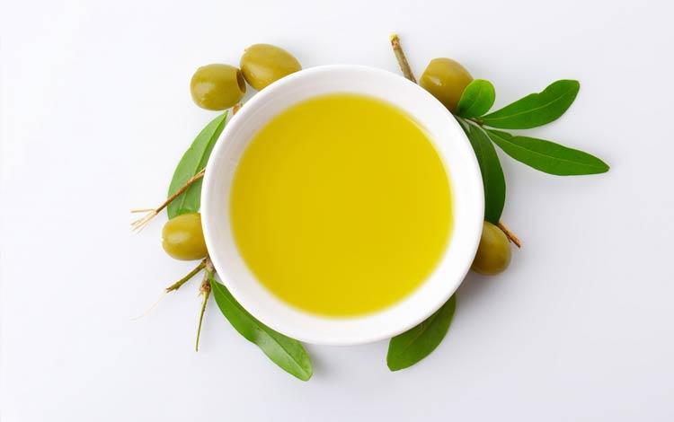 Cara alami dan aman menghilangkan Stretch Mark menggunakan minyak zaitun