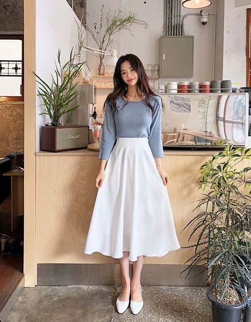 Tips fashion wanita kurus - Gunakan warna pakaian terang