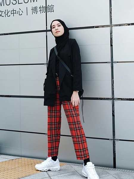 Inspirasi blazer untuk para hijabers