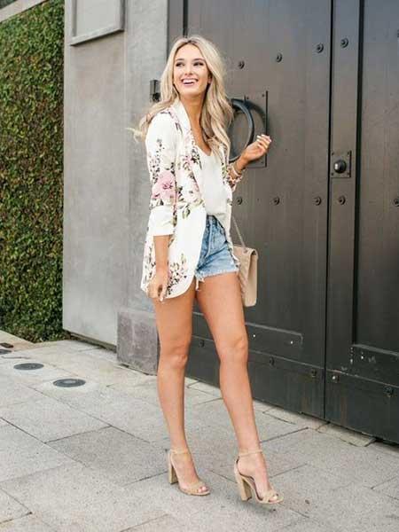 Inspirasi blazer wanita - floral blazer