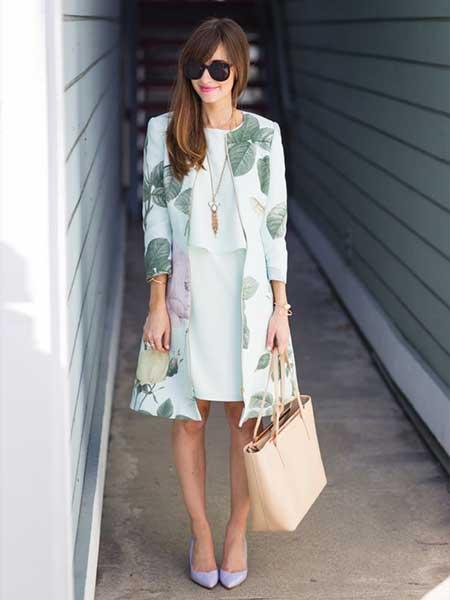 Inspirasi blazer wanita - long blazer motif