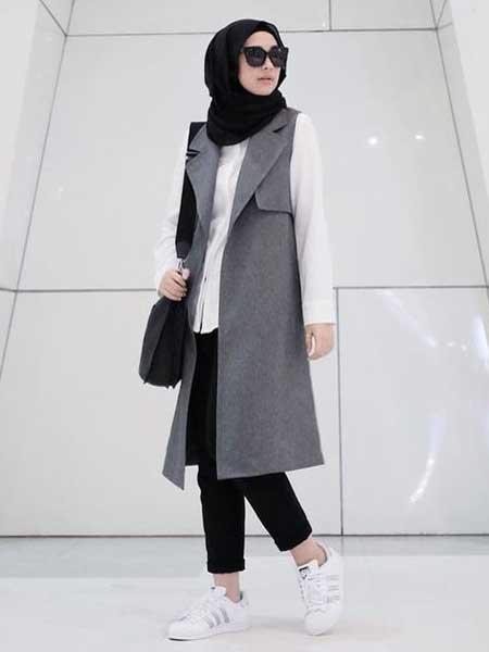 Inspirasi blazer wanita - sleeveless long blazer