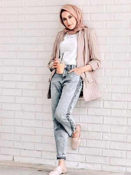 Inspirasi blazer wanita - striped blushblazer untuk hijaber