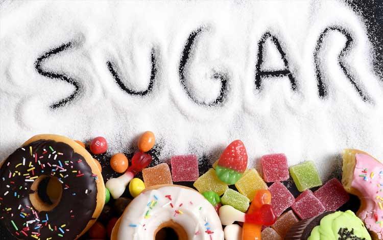 Makanan yang perlu dihindari jika berjerawat yaitu makanan tinggi gula