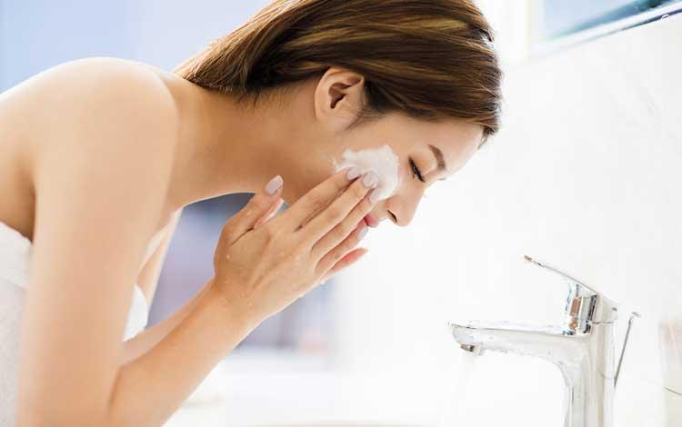 Sabun Wajah Yang Bagus Untuk Hilangkan Komedo Agar Kamu Tampil Makin Cantik
