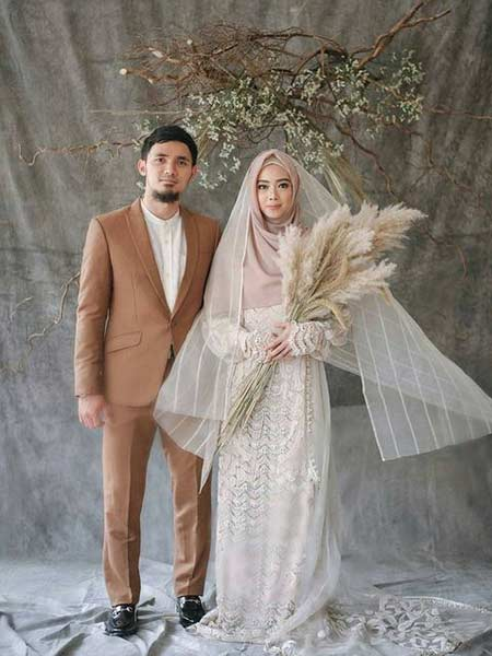 Baju pengantin muslimah syar'i