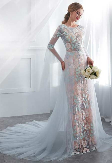 Baju pengantin wanita bak putri dari negeri dongeng dengan motif blue long floral