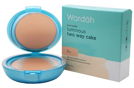 Bedak Wardah Everyday Luminous Two Way Cake