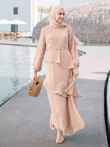 Model baju gamis ruffle berlapis