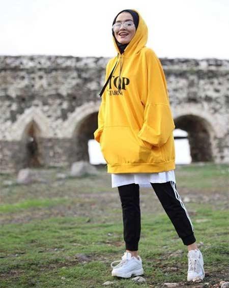 Pakaian olahraga muslimah untuk hijaber