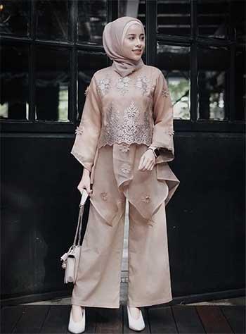 Style kondangan hijab dengan organza top dan celana