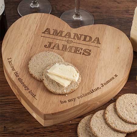 Hadiah valentine wooden board bentuk hati