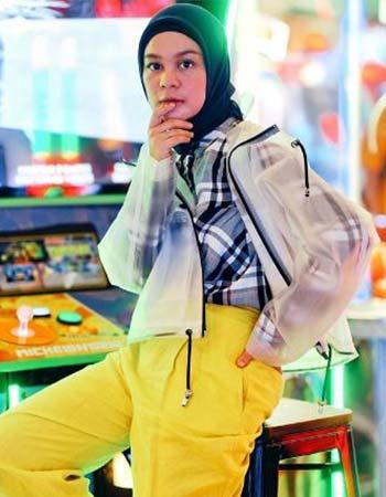 Jaket transparan hijab