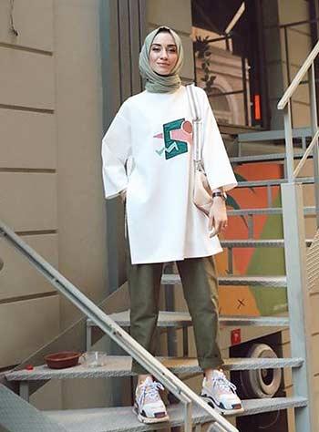 Style hijab casual dengan oversized top