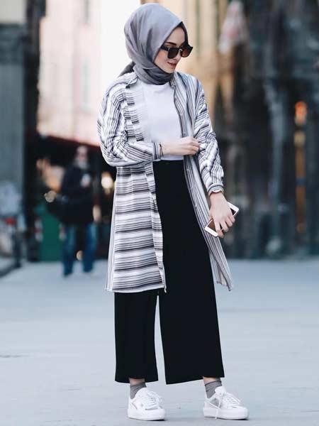 "Gaun baju hijab luar ""width ="" 450 ""height ="" 600"