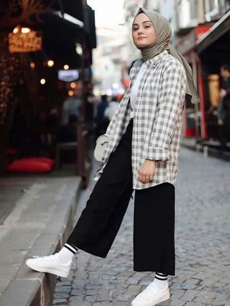 "Baju hijab luar ""width ="" 450 ""height ="" 600"