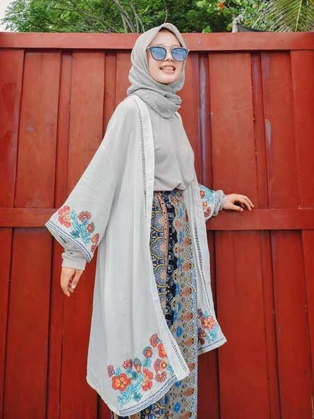 Outer hijab kimono