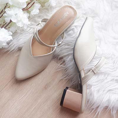 Sepatu mules wanita