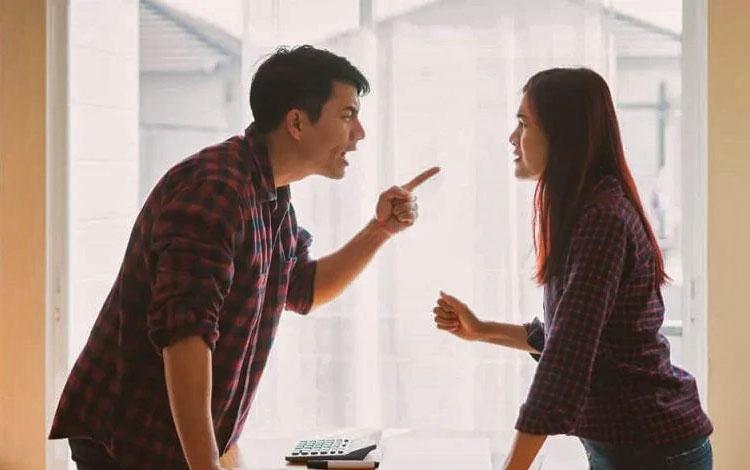 Tips Baikan dengan Pasangan Setelah Bertengkar