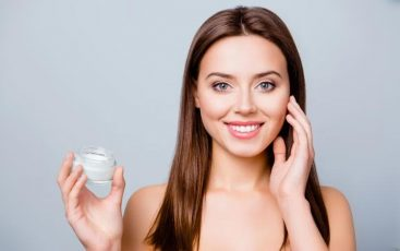 Skincare Terbaik untuk Menghilangkan Flek Hitam