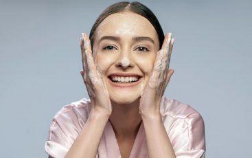 Facial Wash Terbaik Untuk Kulit Berminyak