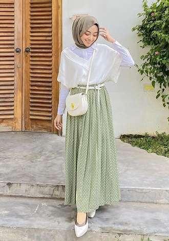 OOTD hijab dengan rok panjang kekinian